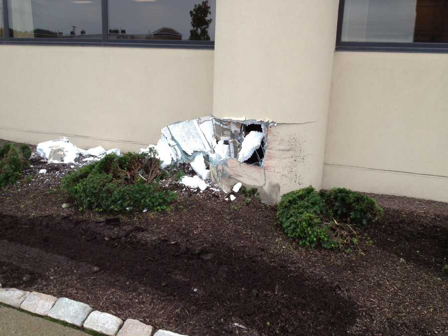 No injuries were reported at the shopping plaza on Business Route 22.