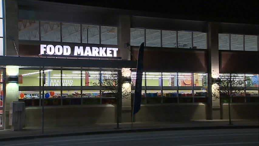 A new Aldi grocery store will open Thursday on Pittsburgh's South Side.