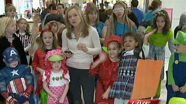 Monroeville Mall Trick-or-Treat
