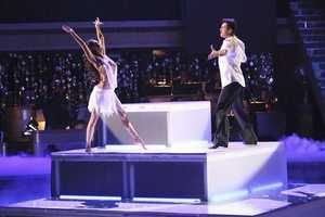 In the final one-hour performance show on Monday, each of the couples competed in a Super-Sized Freestyle during which they were allowed to add extra performers, incorporating all kinds of lifts and tricks to create an out-of-this-world entertaining routine, on MONDAY, NOVEMBER 26 (8:00-9:01 p.m., ET),