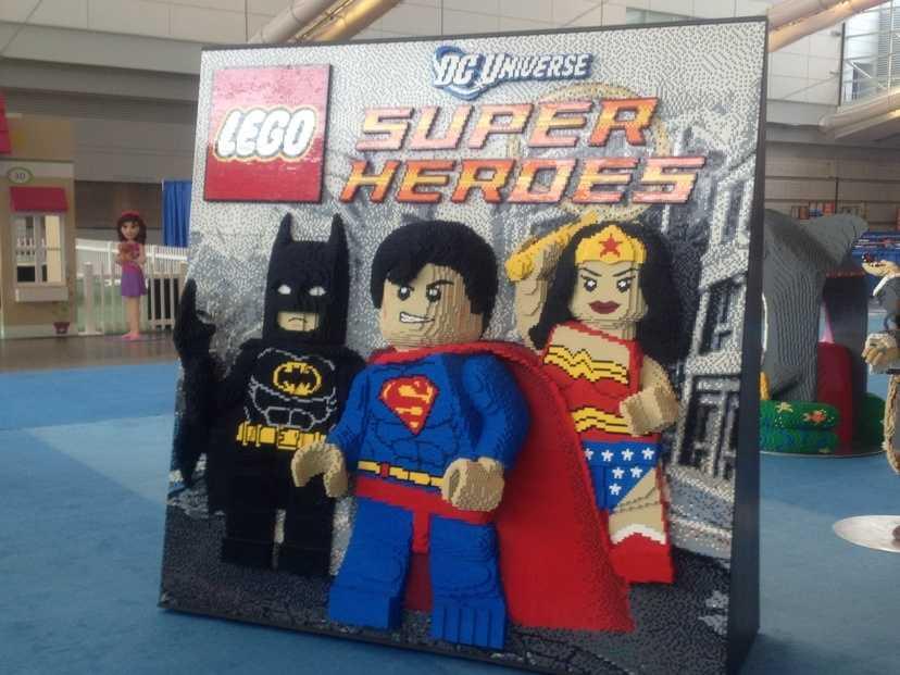 DC Universe Super Heroes: Batman, Superman, Wonder Woman