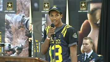 Tyler Boyd sports his jersey for the Army All-American Bowl