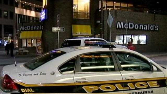 Man robs McDonald's restaurant in Pittsburgh