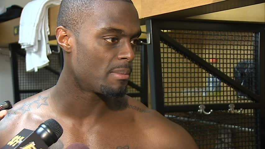 Plaxico Burress' second stint in Pittsburgh will continue for one more season after the veteran wide receiver agreed to return to the Steelers.