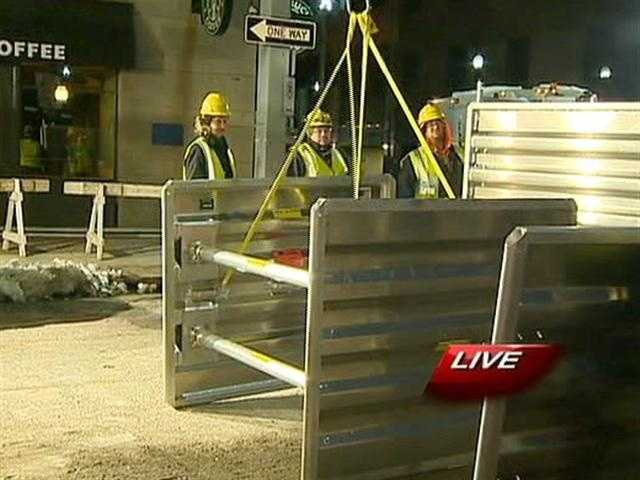 The water main repairs on Fort Pitt Boulevard continued overnight and into Friday morning.