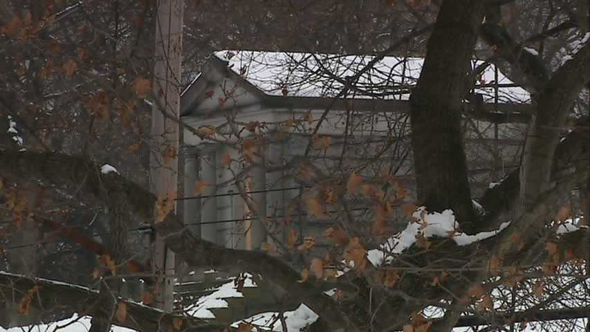 & Police: Stolen mausoleum doors sold for money to buy drugs Pezcame.Com