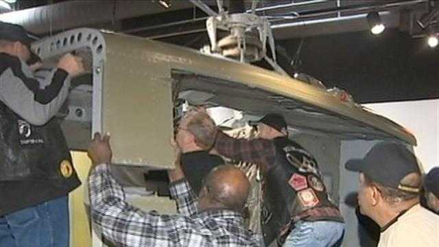 Vietnam vets install 'Huey' helicopter