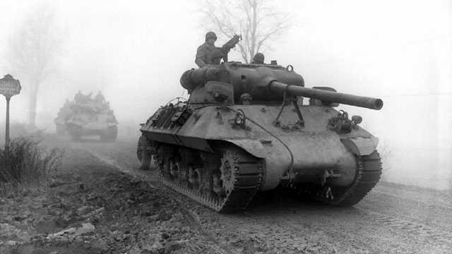 Battle of the Bulge, World War II, Allied tanks