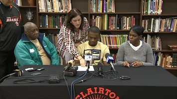 Terrish Webb signs his letter of intent to play for Pitt