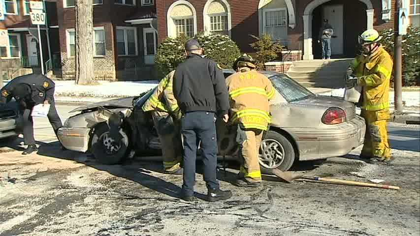 WATCH THE VIDEO: 3 vehicles crash in Point Breeze