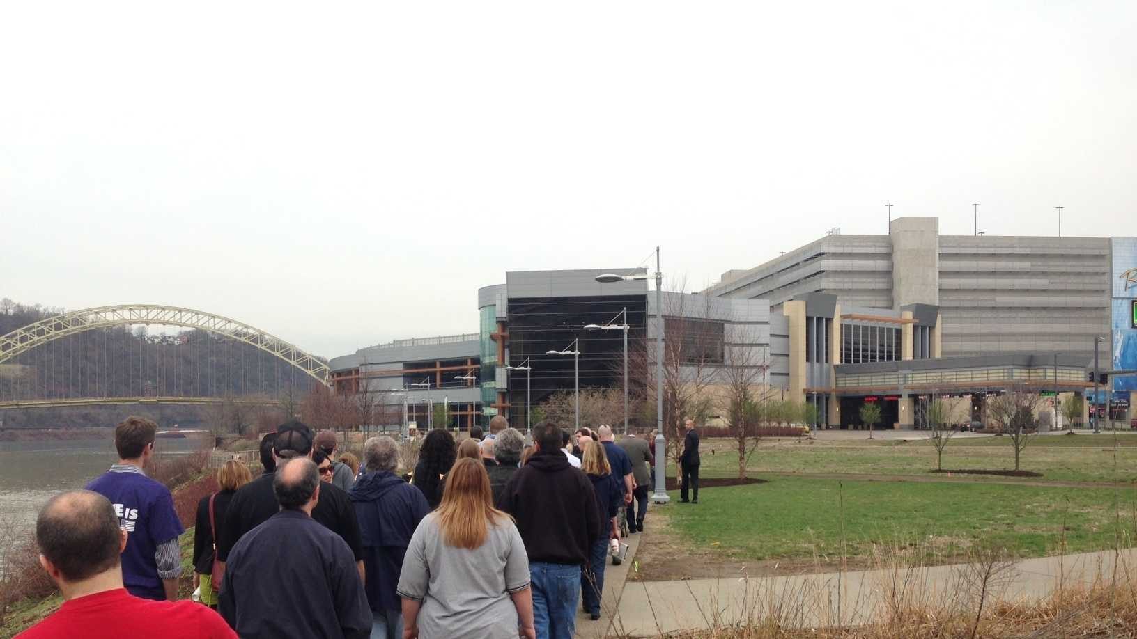 Workers march to Rivers Casino