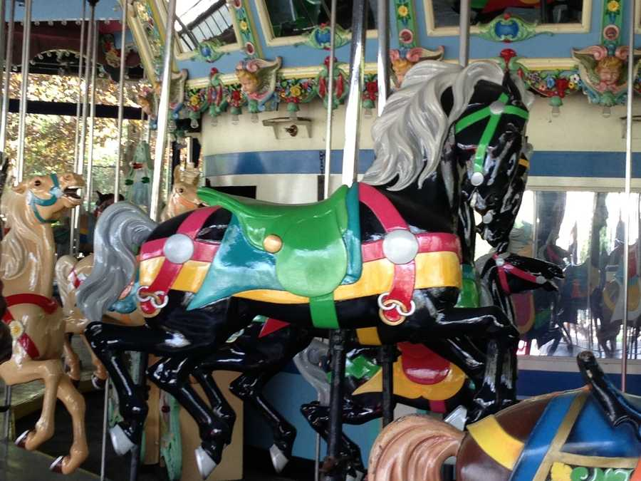 The Grand Carousel is recognized by the Pittsburgh History & Landmarks Foundation.