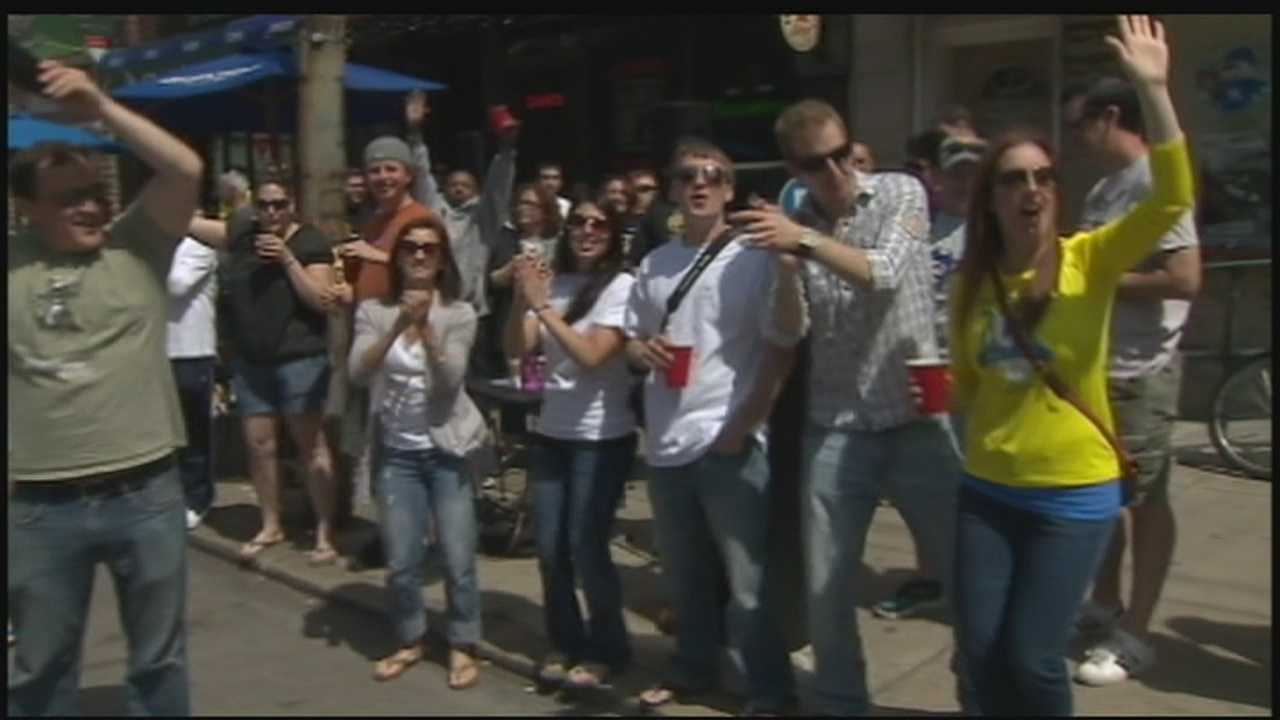 13 neighborhoods along the course of the Pittsburgh Marathon throw large parties to not only cheer on the runners but also celebrate in style&#x3B; Action News Jackie Shafer reports from Bloomfield.