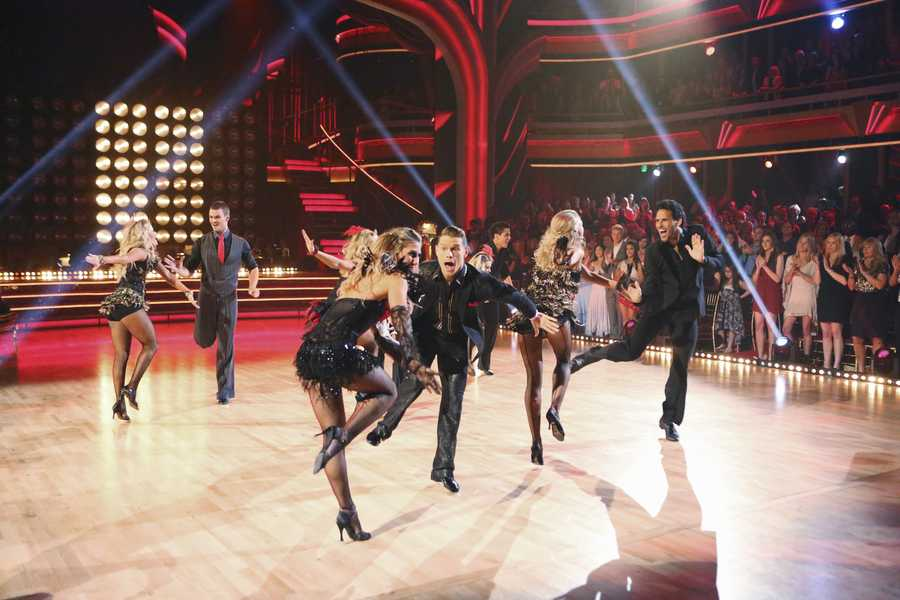 """The returning stars performed a show-stopping opening number with the pro and troupe dancers, on the two-hour Season Finale of """"Dancing with the Stars the Results Show,"""". (ABC/Adam Taylor)"""