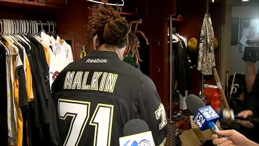 Andrew McCutchen wore an Evgeni Malkin jersey to support the Penguins in the Stanley Cup Playoffs.