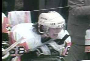 Jaromir Jagr was a fresh-faced 18-year-old rookie when the Pens beat the Bruins in 1991.