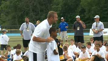 Ben Roethlisberger presented a courage award and a No. 7 Roethlisberger jersey to Jason Jackson, a camper from Penn Hills.
