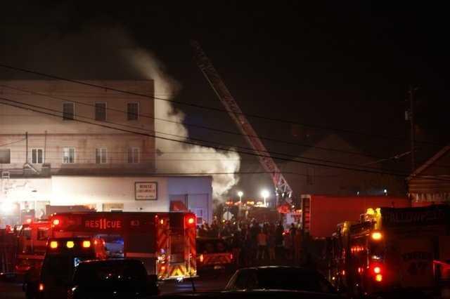 An apartment building caught fire on Furlong Avenue in Roscoe, Washington County.