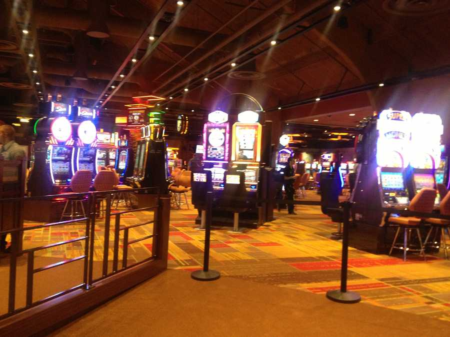 The casino will feature 600 slot machines.