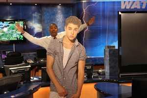 Weather Watch 4 Meteorologist Demetrius Ivory photo-bombing Justin