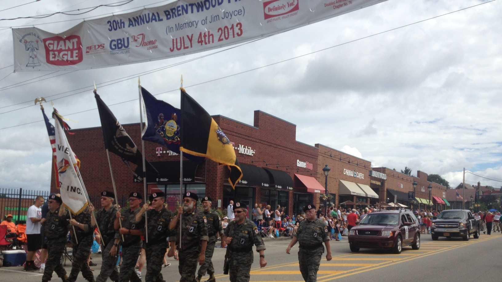 brentwood-parade1.JPG