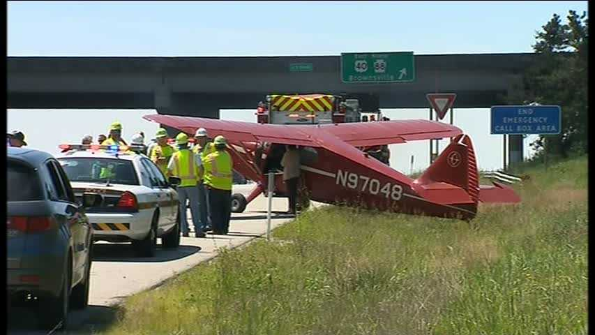 plane lands on Mon-Fayette Expressway 03