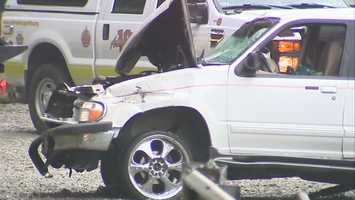 Video: Early morning crash injures 2 in Irwin