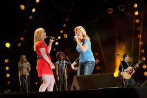 "KELLY CLARKSON & TRISHA YEARWOOD - The summer's hottest television music event, ""CMA Music Festival: Country's Night to Rock,"" (Photo: ABC/Jon LeMay)"