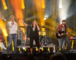 "LADY ANTEBELLUM - The summer's hottest television music event, ""CMA Music Festival: Country's Night to Rock,"" (Photo: ABC/Jon LeMay)"