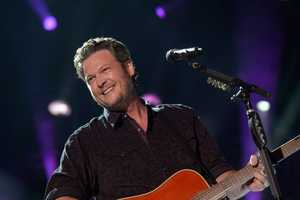 "BLAKE SHELTON - The summer's hottest television music event, ""CMA Music Festival: Country's Night to Rock,"" (Photo: ABC/Jon LeMay)"