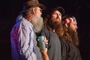 "DUCK DYNASTY - The summer's hottest television music event, ""CMA Music Festival: Country's Night to Rock,"" (Photo: ABC/Jon LeMay)"