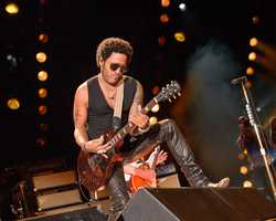 "LENNY KRAVITZ - The summer's hottest television music event, ""CMA Music Festival: Country's Night to Rock,"" (Photo: ABC/Jon LeMay)"