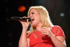 "KELLY CLARKSON - The summer's hottest television music event, ""CMA Music Festival: Country's Night to Rock,"" (Photo: ABC/Jon LeMay)"