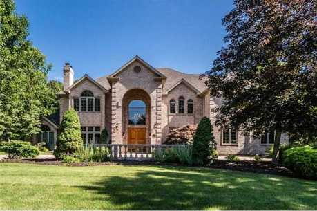 This beautiful Hampton, PA home features six bedrooms, seven bathrooms, and is located on 1.83 Acres. The home is featured on realtor.com