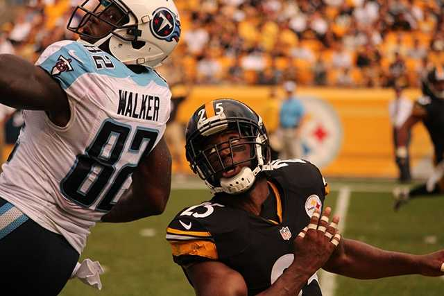 Ryan Clark made a team-leading 13 tackles (seven solo) for Pittsburgh. He briefly left the game with a shoulder injury but was able to return.