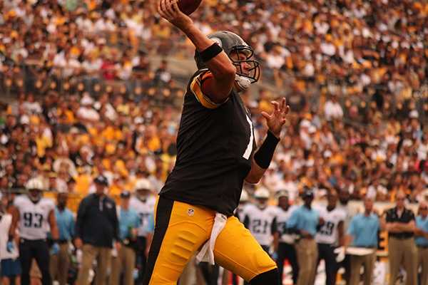 Ben Roethlisberger completed 21 of 33 pass attempts, finishing with 191 yards and a touchdown. He also threw an interception that led to a Titans touchdown.