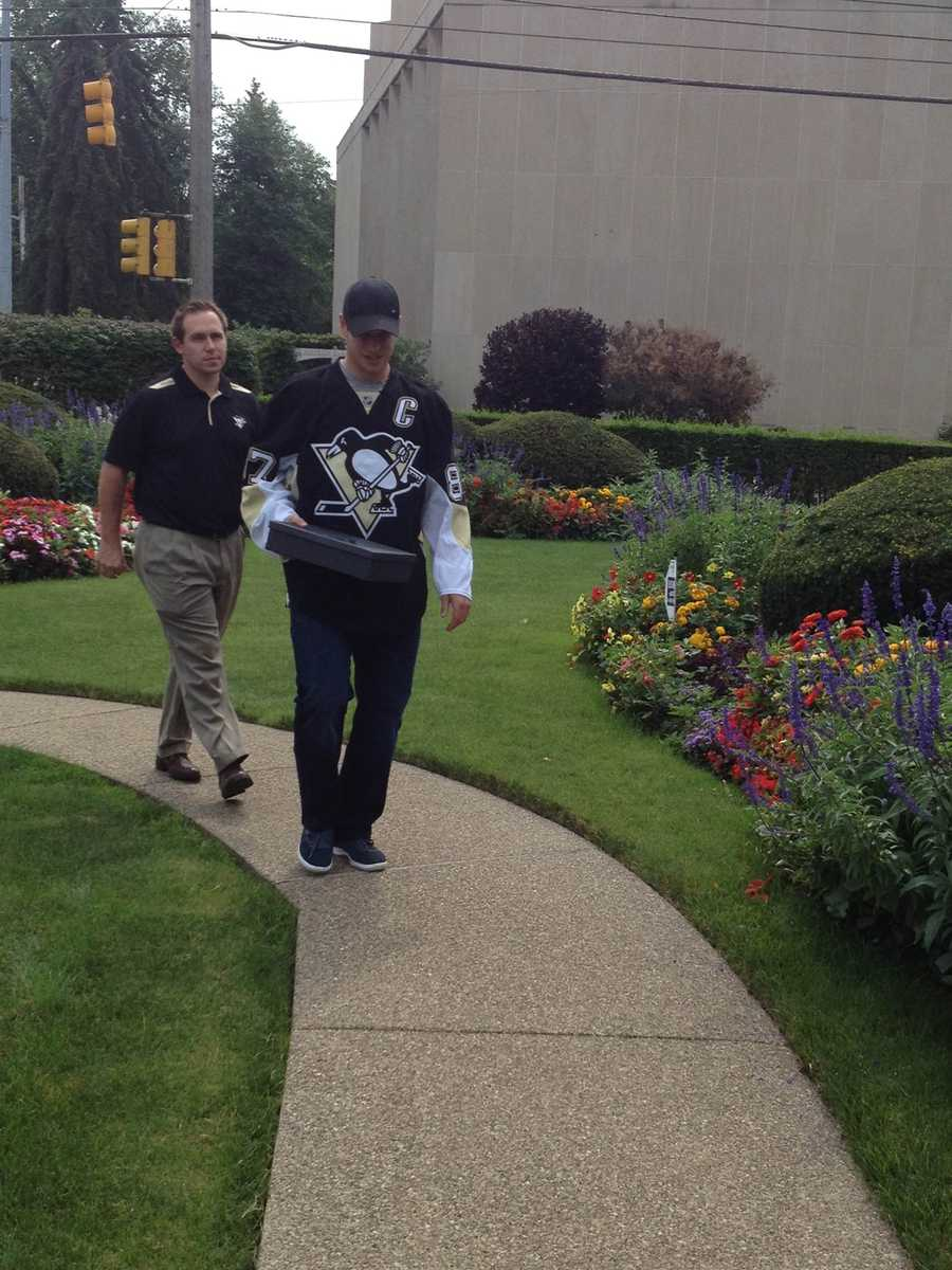 Penguins captain Sidney Crosby was in Squirrel Hill, where he hand-delivered tickets for the upcoming season to Sandy Darling.