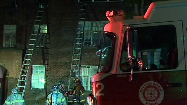 Firefighters battle Pittsburgh blaze