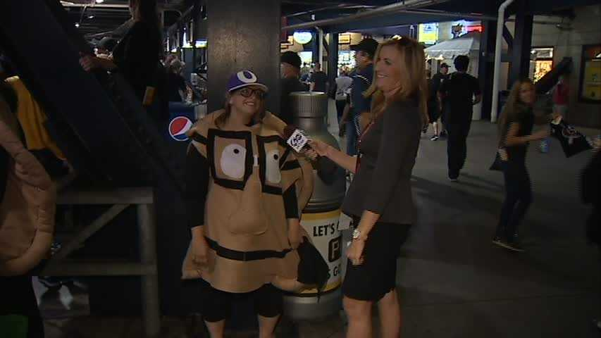 Here's another shot of the pierogie costume. Shannon Perrine was clearly impressed :)