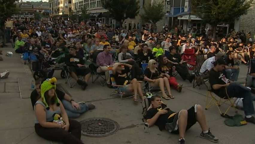 Fans at Pirates watch party