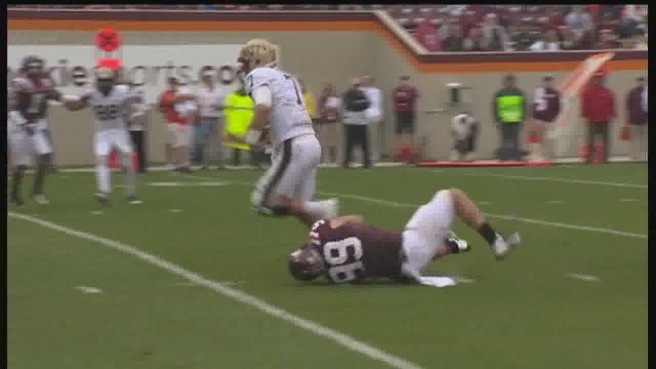 Quarterback Tom Savage ran for Pitt's only touchdown of the day against Virginia Tech.