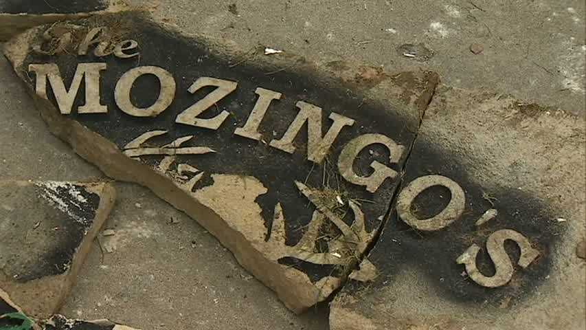 The Mozingos sign