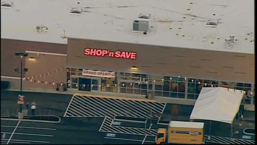The long-awaited opening of the new supermarket on Centre Avenue was held Thursday morning.