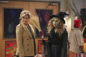 """When Vanessa tries to relive her PTA glory days by taking over the Halloween haunted house fundraiser for Boyd's school, her ideas prove too scary for him. Now, Mike must find a way to reassure Boyd and help him face his fears, on """"Last Man Standing"""". (ABC/Richard Cartwright)"""