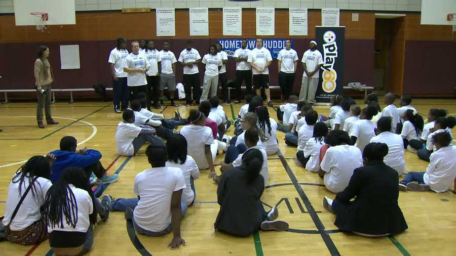 The Steelers' rookie class of 2013 led students at Pittsburgh King K-8 through activity stations to stress the importance of being active as part of the NFL's Play 60 campaign.
