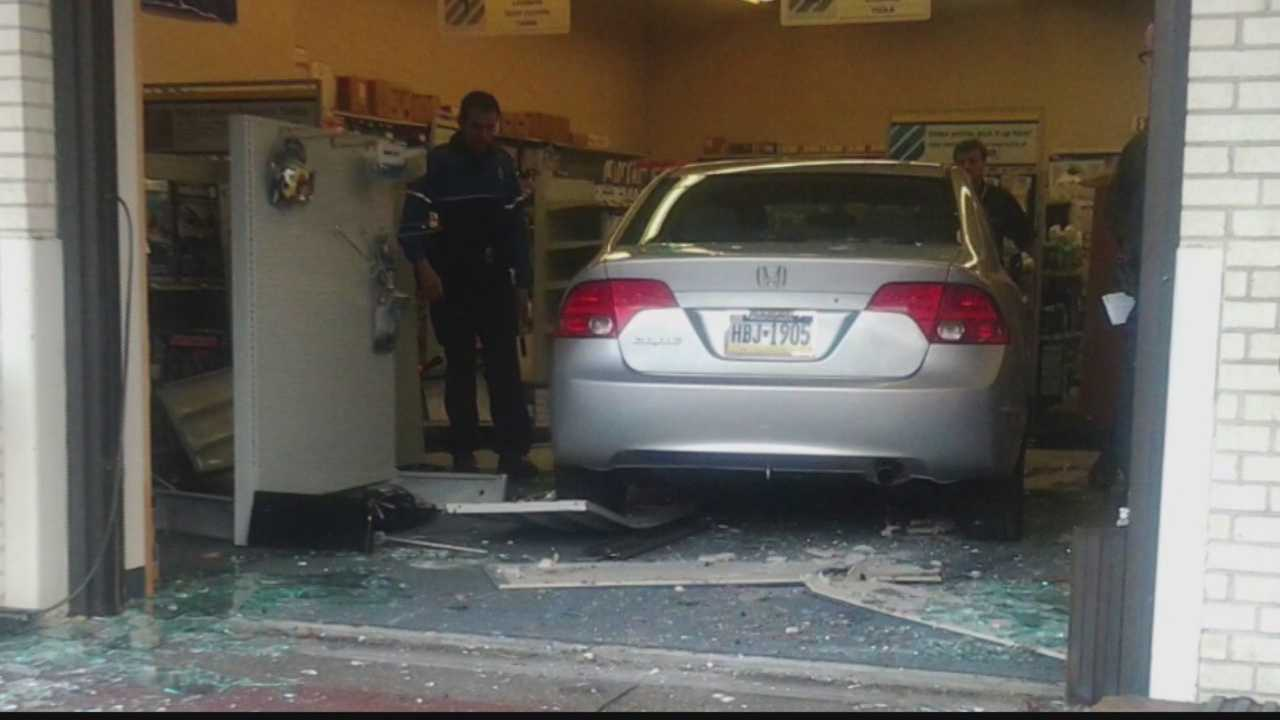 img-Car crashes into McKnight Road store