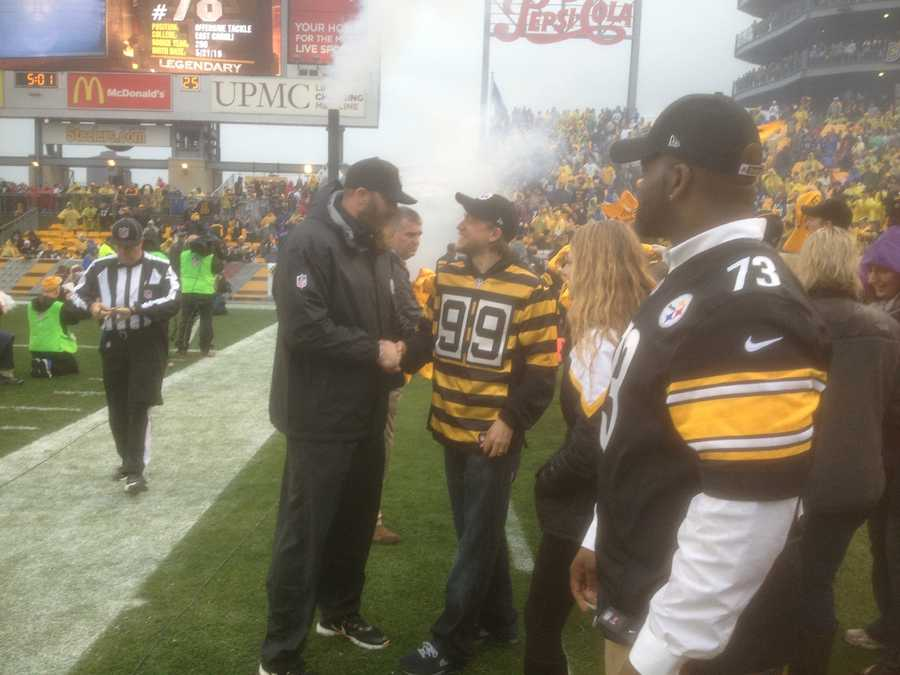 """Sons of Anarchy"" star Charlie Hunnam led the Terrible Towel Twirl at Heinz Field before Sunday's Steelers-Lions game."