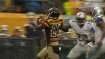 Antonio Brown leaves two defenders in the dust