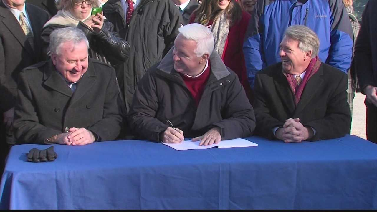 img-Gov Corbett signs transportation bill