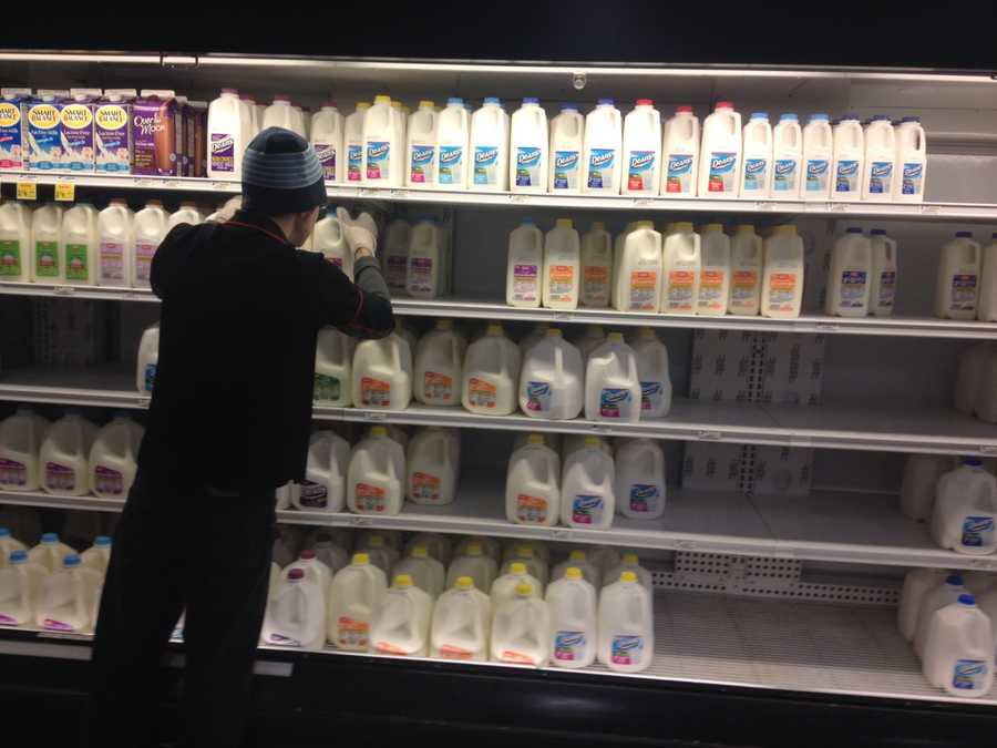 Plenty of shoppers were buying milk at this Giant Eagle grocery store in Monroeville before the snowstorm.